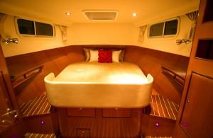 380 Sedan - owners cabin