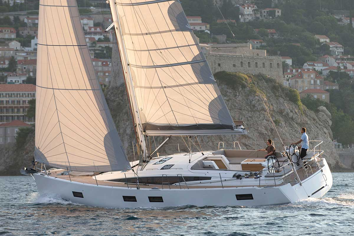 Review of the new Jeanneau 54   Performance Boating