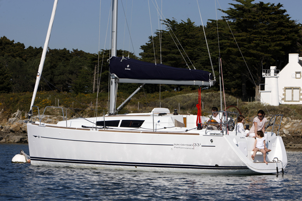 Sun Odyssey 33i Why Is It So Good Performance Boating