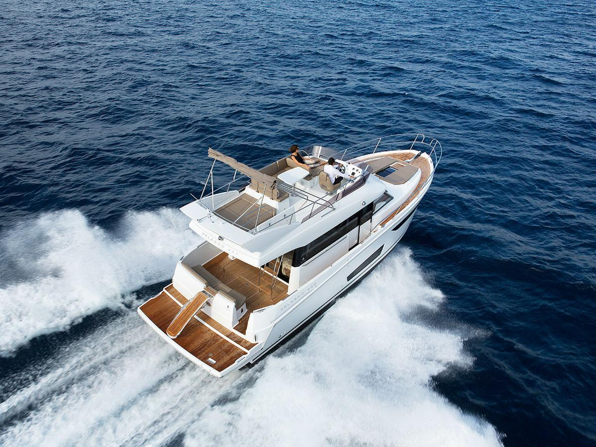 Jeanneau Velasco 43F Trade-A-Boat review:   Performance Boating