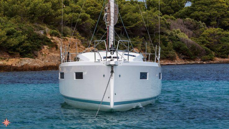 Cruising World reviews the new Sun Odyssey 410
